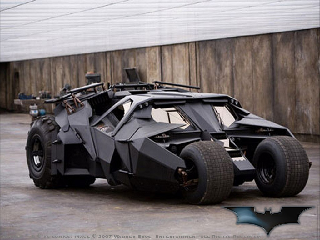 """The Raider"":A Batmobile Design Based British Combat Vehicle 1"