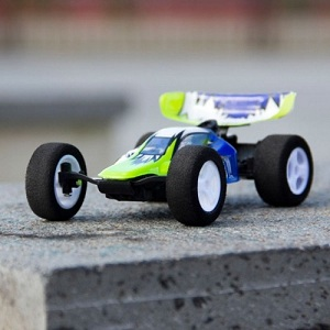 """iHelicopter Unveils """"Stunt Car Racer"""", The iPhone-Controlled Car [VIDEO]"""