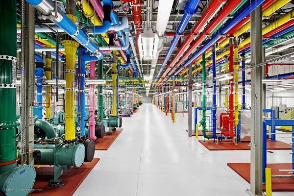 google data centers, secretive data centers, data, google computers process Internet, google data centers pictures,  google data centers photos, inside look google, google data center rare pictures