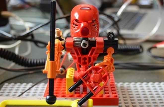 First Robotic LEGO Band Made Its Hit