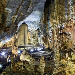 Vietnam Phong Nha-Ke Bang National Park, Phong Nha-Ke Bang cave, largest cave