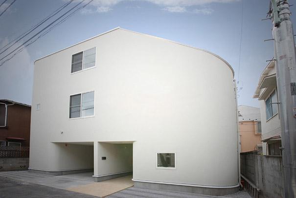 Slide House, Japan