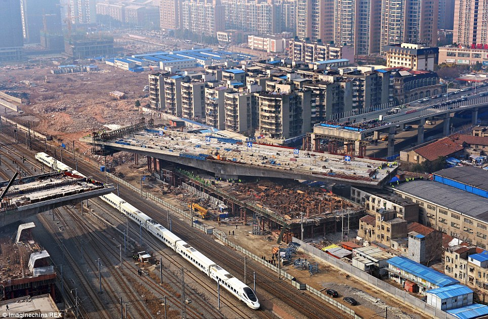 Chinese engineers ROTATE bridge, bridge rotate, rotating bridge china