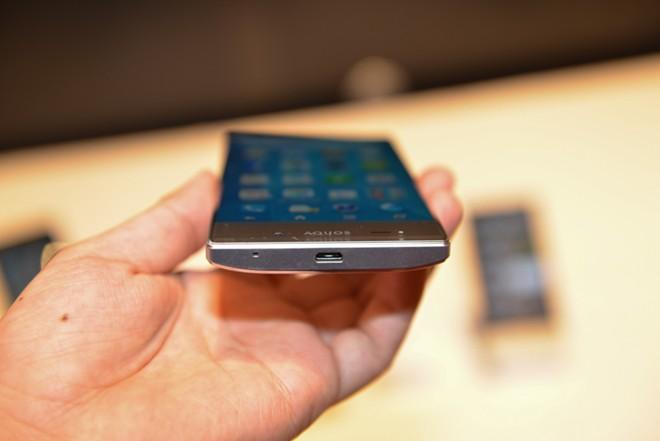 Sharp smartphone, Sharp Aquos Crystal