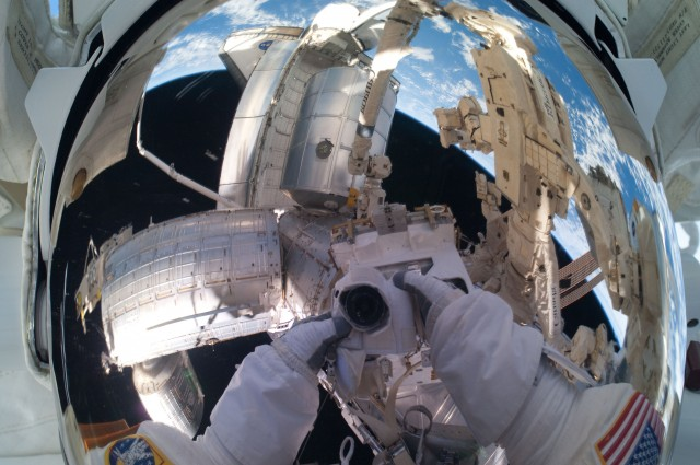 What Would Happen To Your Body In Space Without A Spacesuit? 1