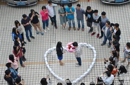 Man Buys 99 iPhones Worth $82k to Propose to His Girlfriend; She Says No