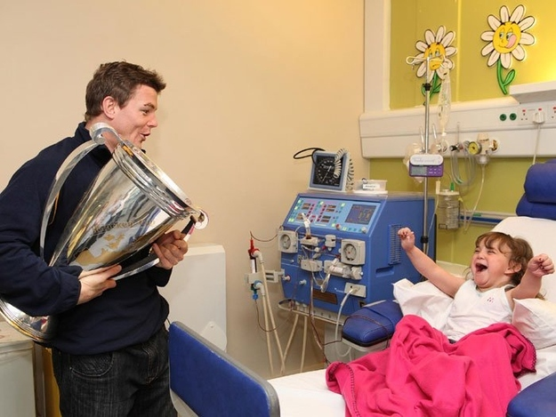 Brian O'Driscoll shares his Heineken Cup victory