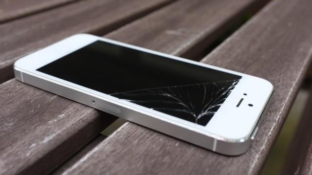 Fallen iPhone, broken iphone