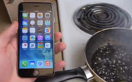 iPhone 6 in burning Cola, Boil iPhone 6 in Coca Cola, burn iPhone 6 in Coca Cola, boil iphone 6, iphone 6, boiling an iphone 6
