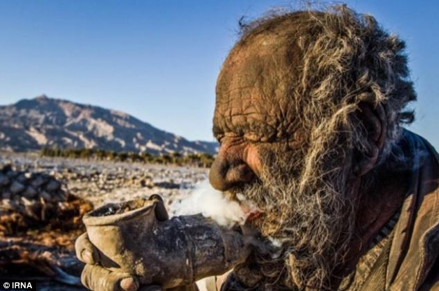 Amou Haji, dirtiest man, Iranian dirtiest man, Man Hasn't Bathed In 60 Years