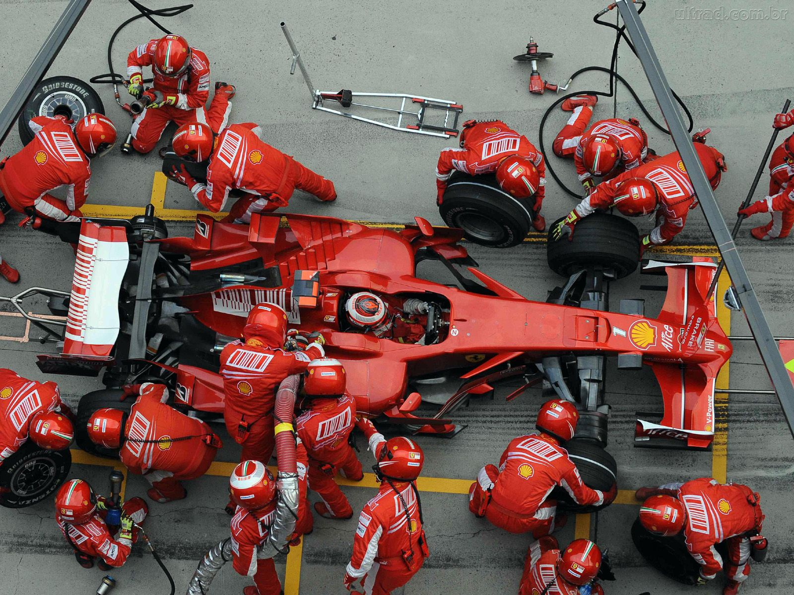 This Fascinating Video Compares Pit Stops From Formula 1, NASCAR and Indy Car Racing