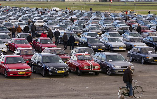 Netherlands banning all non-electric cars