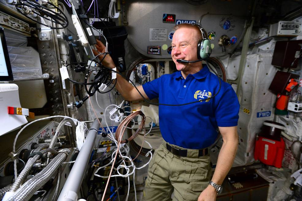 NASA Astronauts to Call Chicago Area Students from International Space Station
