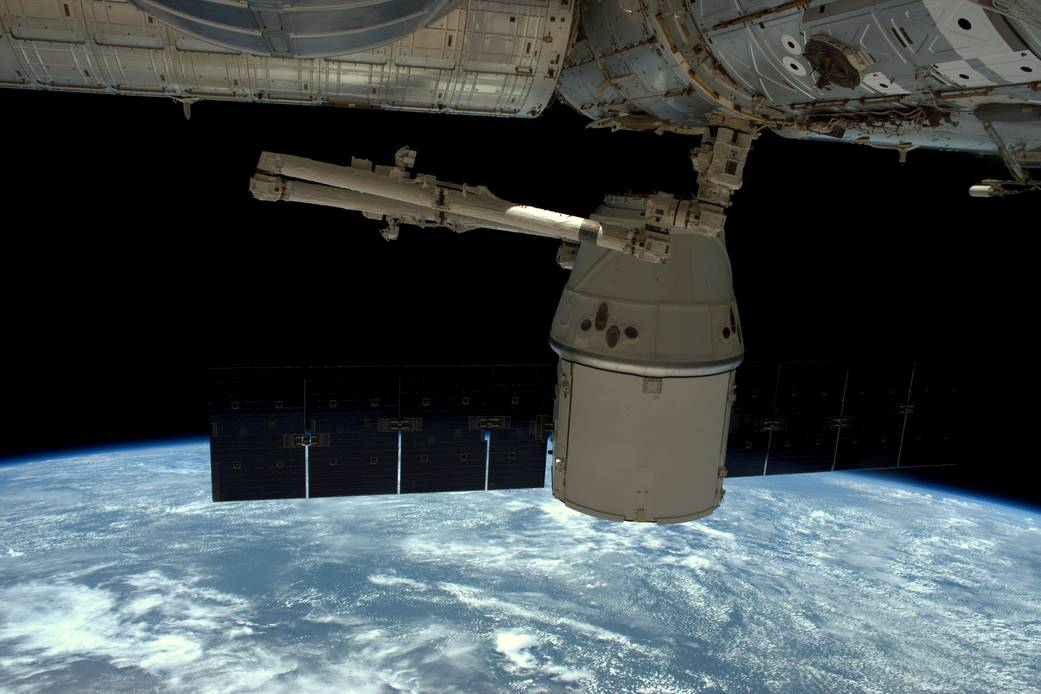Full of Science, Dragon Spacecraft Undocks for Return to Earth