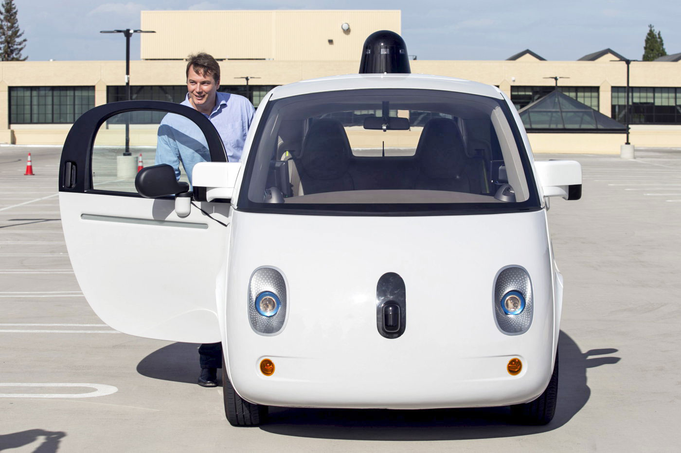Google's self-driving cars can now honk at you