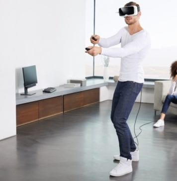 Zeiss VR One Connect puts virtual reality PC games onto a smartphone headset