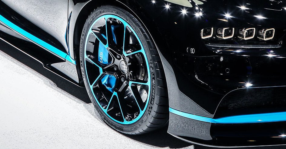 Let's Analyze the Ridiculous Physics of the Bugatti Chiron