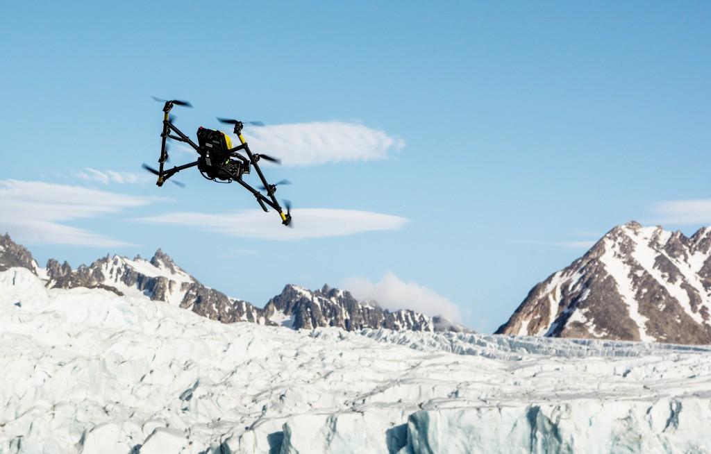 polar-bear-arctic-drone-research-intel
