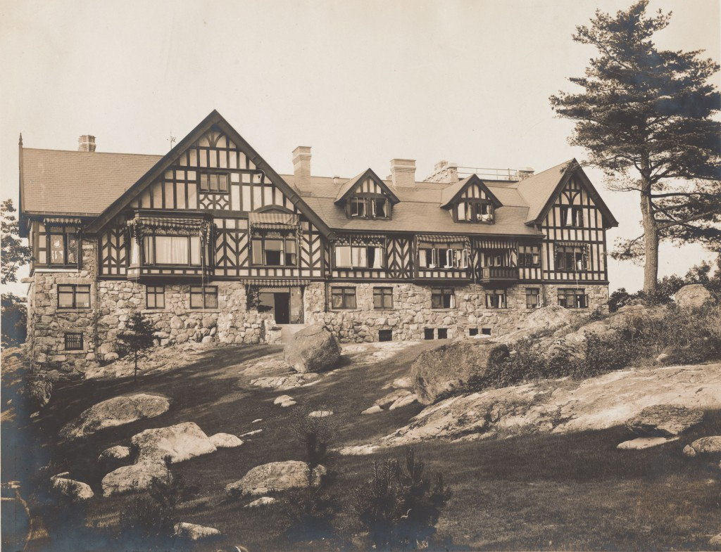 Tower House, Alfred Loomis's lab in Tuxedo Park, New York. Credit: Courtesy of The New York Public Library, Astor, Lenox and Tilden Foundations