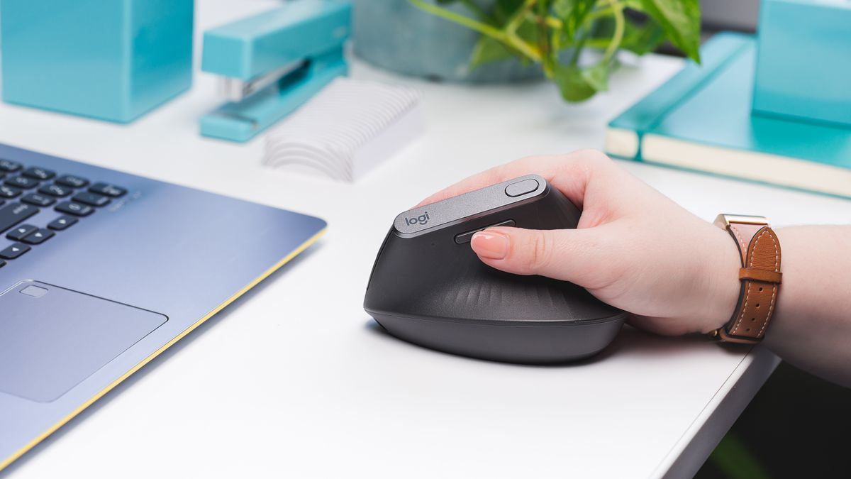Logitech MX Vertical review: Flipping the mouse on its side is hardly an upgrade