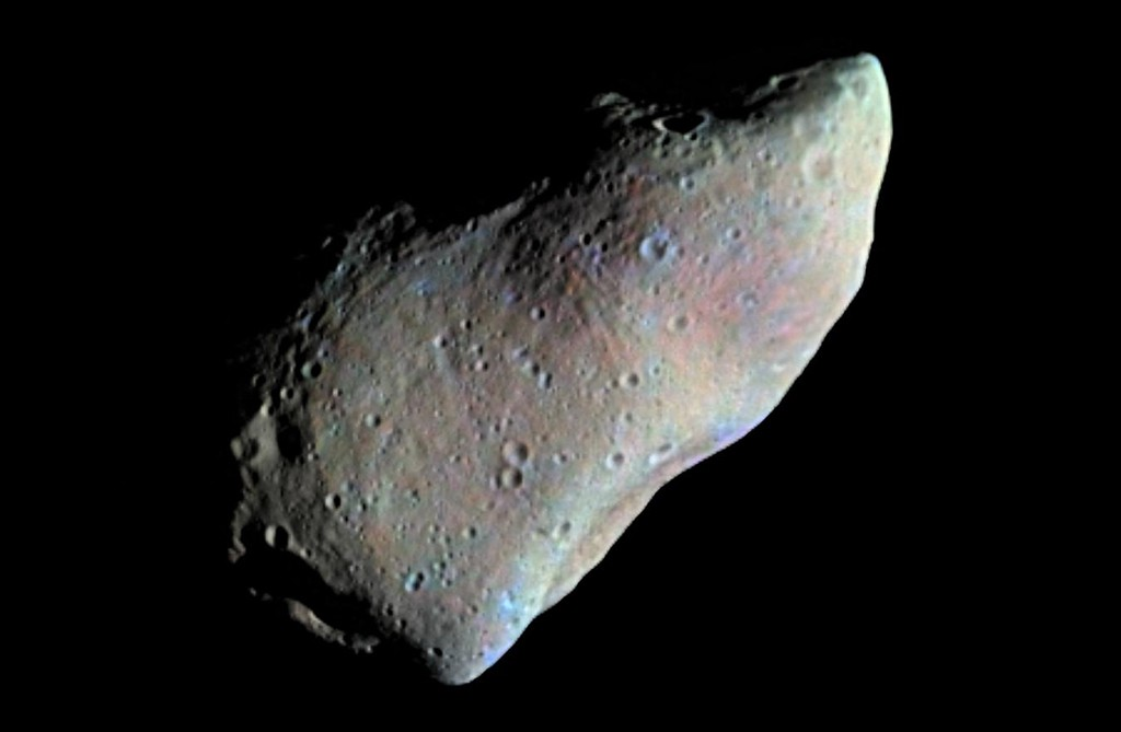 Asteroid Gaspra seen by the Galileo spacecraft on October 29, 1991, from a distance of 5,300 miles. (Credit: NASA/JPL/USGS)