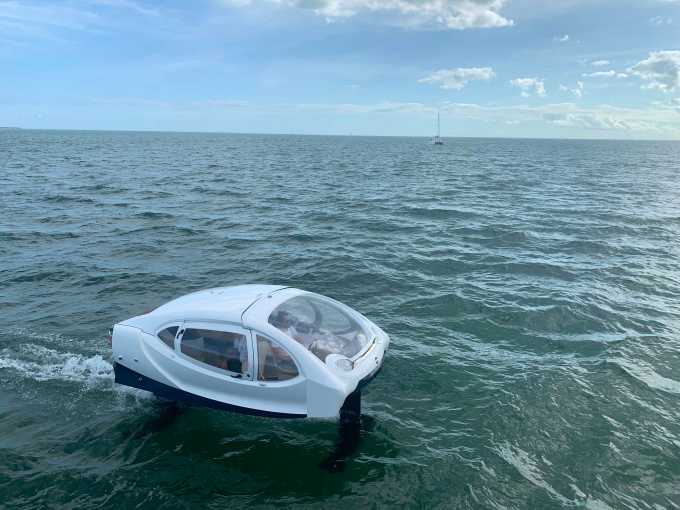 SeaBubbles shows off its 'flying' all-electric boat in Miami