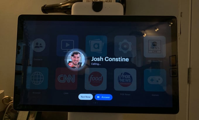 Go chat yourself with Facebook's new Portal companion app